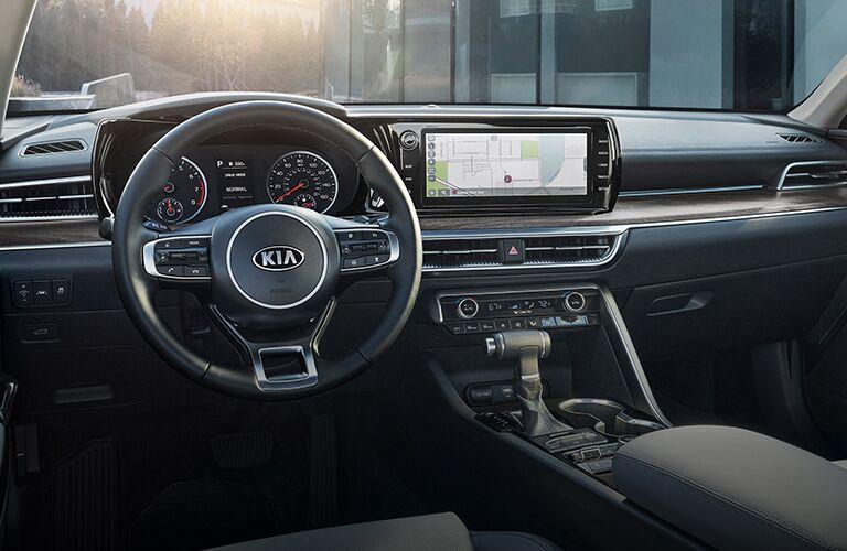 Steering wheel and dashboard in 2021 Kia K5