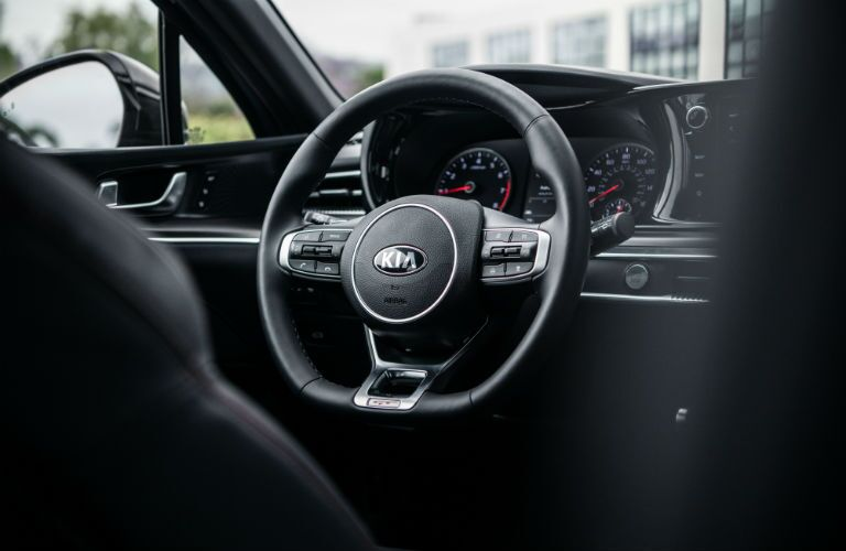 Steering wheel in 2021 Kia K5