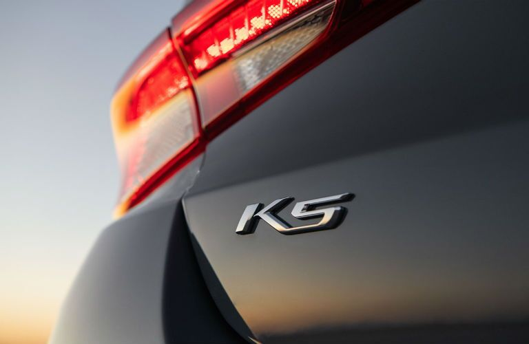Closeup of emblem on 2021 Kia K5