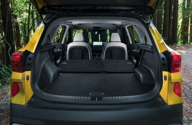 Interior view of cargo area in 2021 Kia Seltos