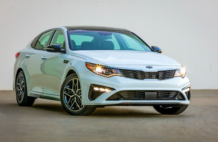 2020 kia optima white from the front