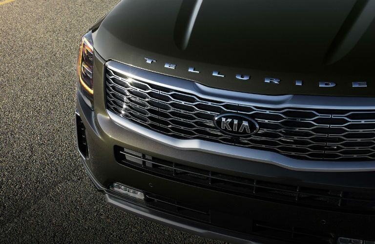 closeup of 2020 kia telluride grille