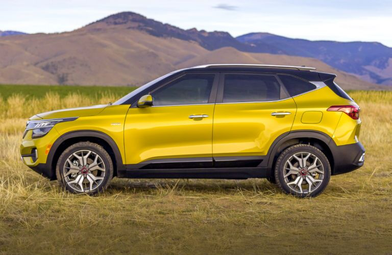 profile of 2021 kia seltos in starbright yellow
