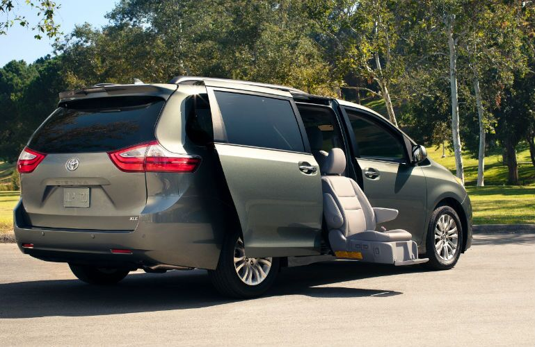 2019 toyota Sienna with available Auto Access Seat