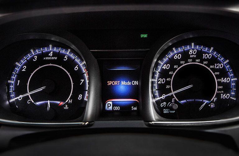Performance inspired gauges for 2016 Toyota Avalon vs. 2016 Lincoln MKZ