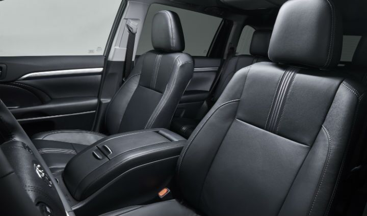 New interior features for the 2017 Toyota Highlander in Lima, OH