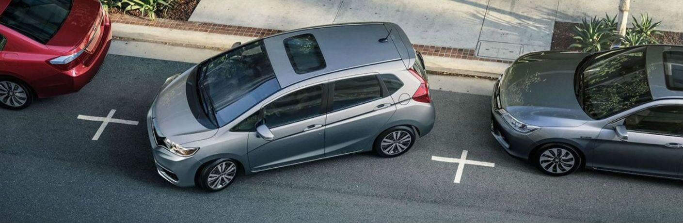 2019 Honda Fit EX-L parallel parking in a city