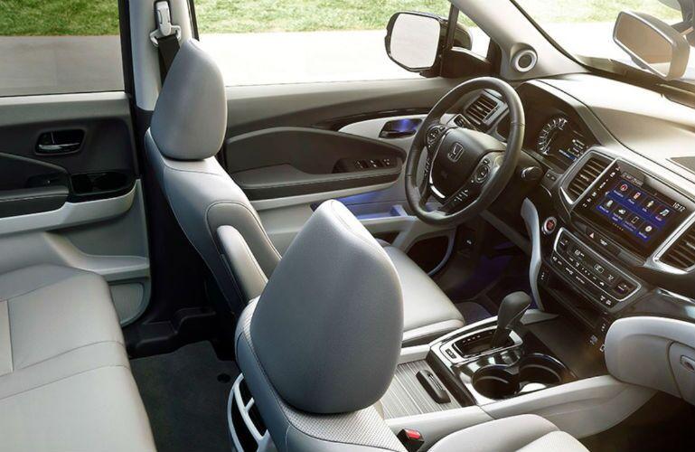 2019 Honda Ridgeline interior view