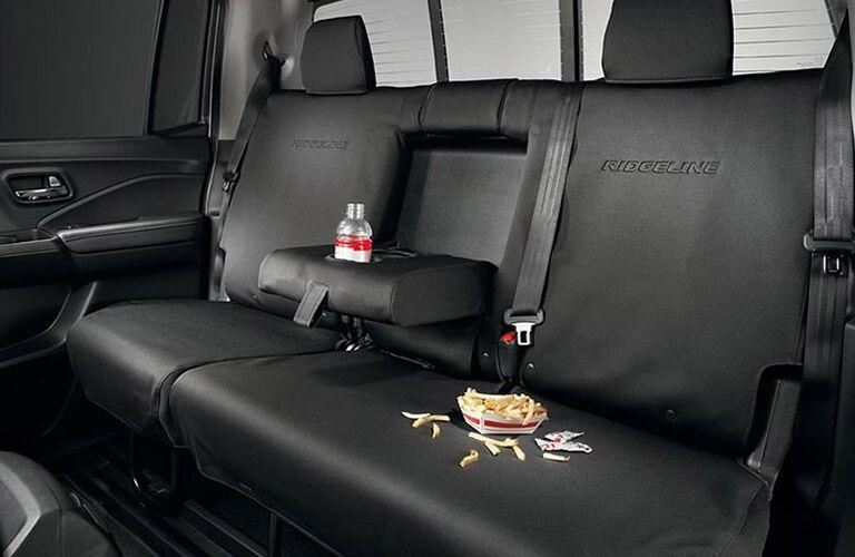 Family ready interior 2017 Honda Ridgeline vs. 2017 Nissan Frontier