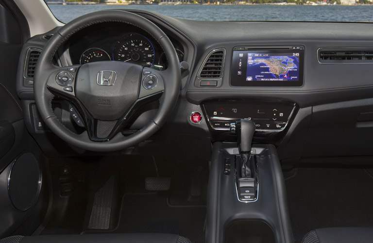 dashboard and steering wheel design in 2018 Honda HR-V