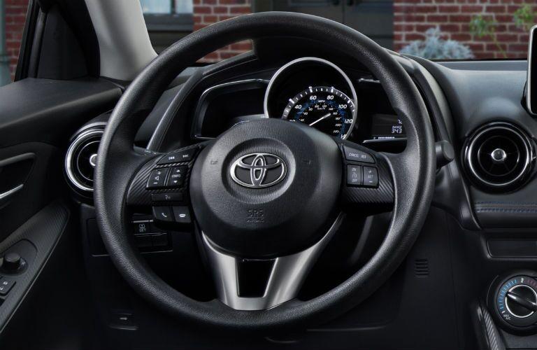 steering wheel design of 2018 Toyota Yaris iA