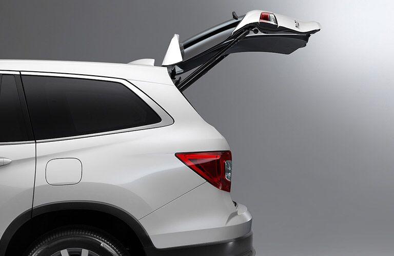 2022 Honda Pilot with an open rear liftgate