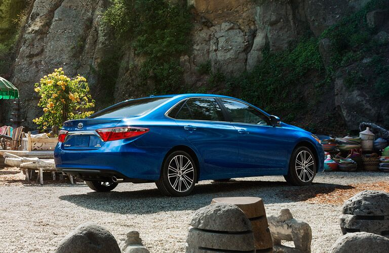Sleek style dominates 2016 Camry vs. 2016 Sentra