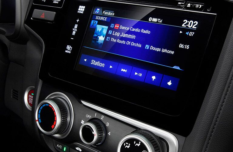 2016 Honda Fit entertainment
