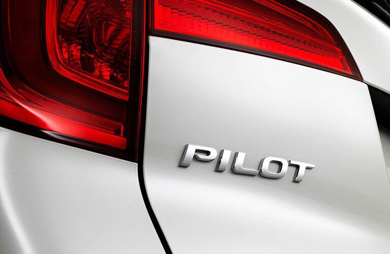 2016 Honda Pilot LX taillights