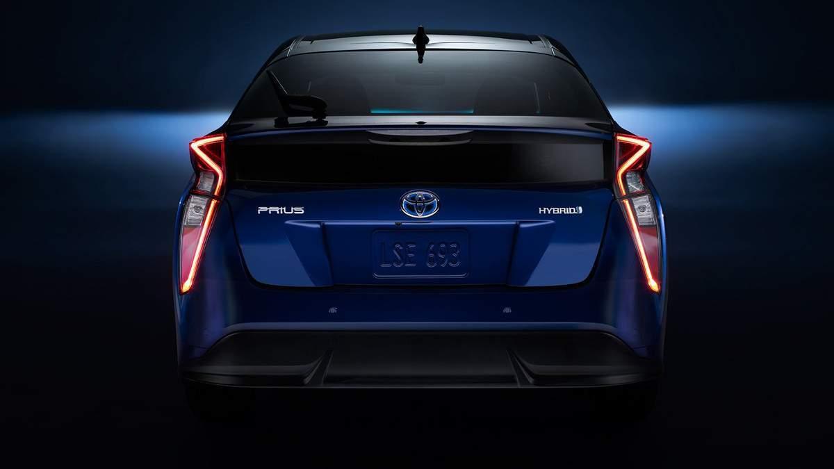 Blue 2018 Toyota Prius