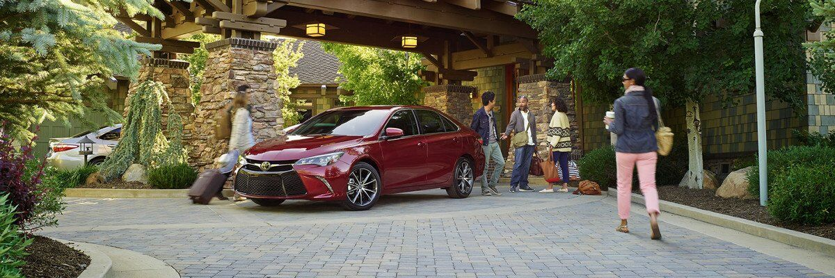 2017 Toyota Camry vs. 2017 Nissan Altima Exterior and Design in Tinley Park, IL