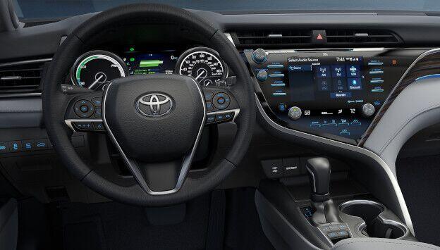 2019 Toyota Camry Tech