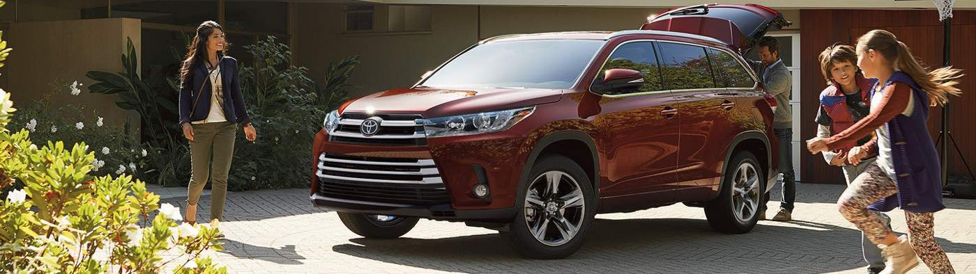 2017 Toyota Highlander Review in Tinley Park, IL