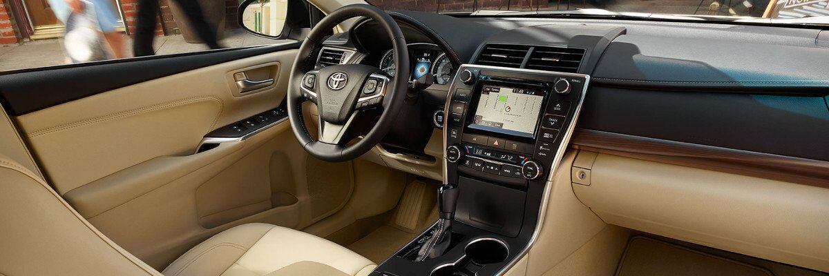 2017 Toyota Camry Interior and Design in Tinley Park, IL