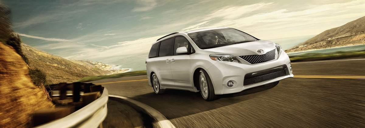 2017 Toyota Sienna Review in Tinley Park, IL
