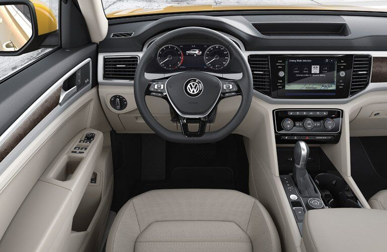 Front dash of 2018 Volkswagen Atlas with VW Car-Net App-Connect infotainment system