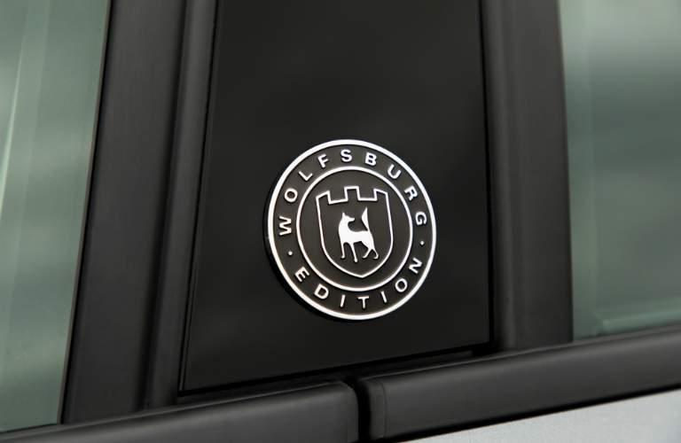 2018 Volkswagen Jetta Wolfsburg Edition B-pillar crest