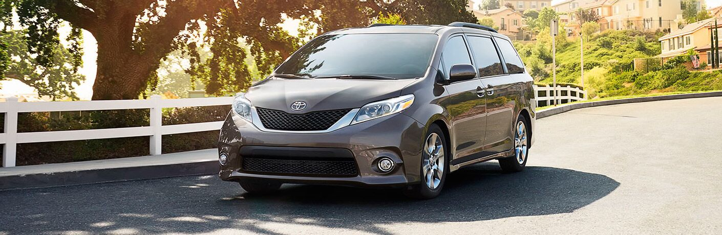 Front of the 2017 Toyota Sienna
