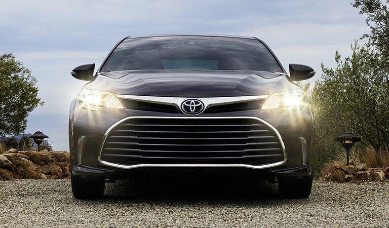 2017 Toyota Avalon exterior front