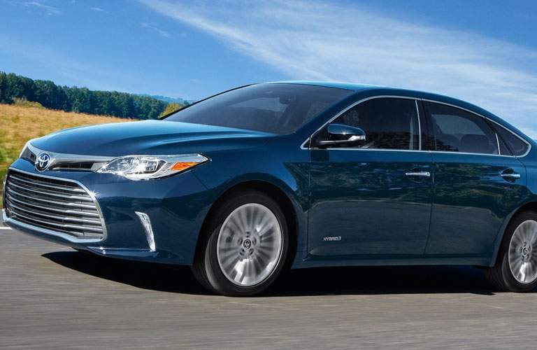 blue 2018 Toyota Avalon side view