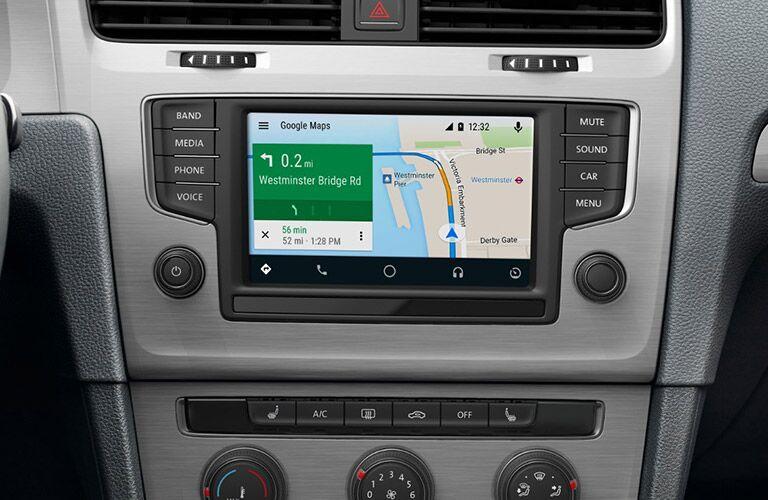 2017 Volkswagen Golf front interior display audio