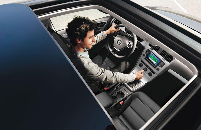 2017 Volkswagen Golf exterior sunroof