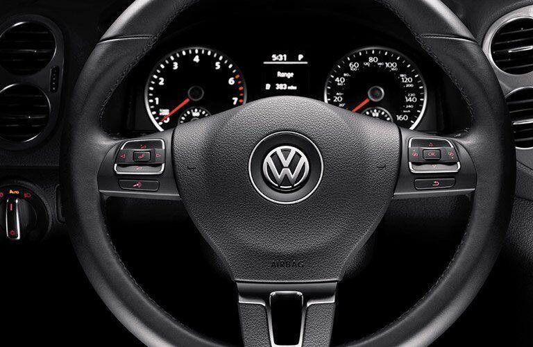 2017 VW Tiguan steering wheel mounted controls