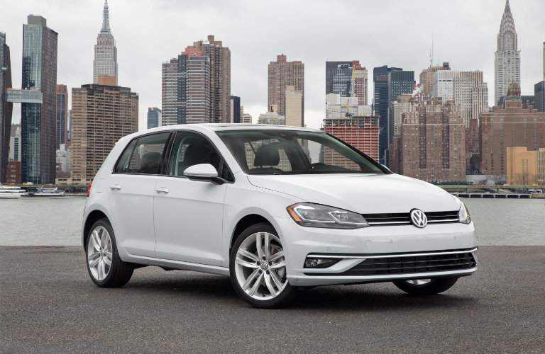 2018 Volkswagen Golf city background front exterior shot