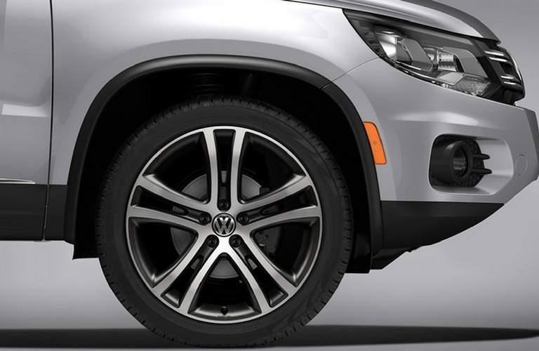 2018 Volkswagen Tiguan Front Tire