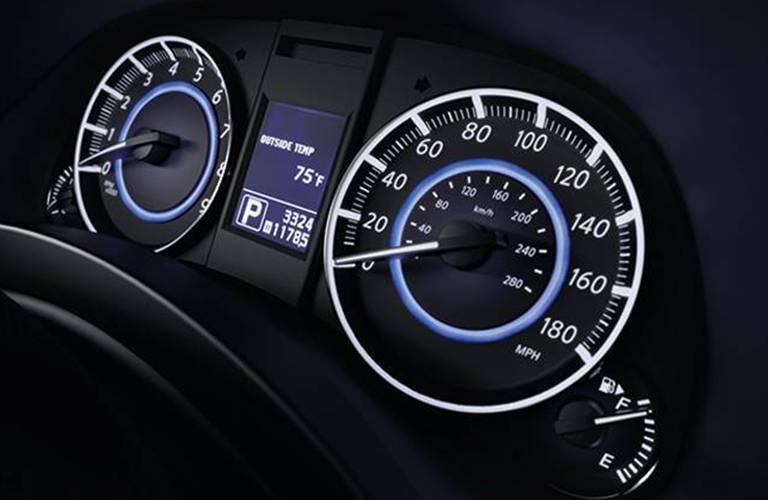 Infiniti QX70 speedometer