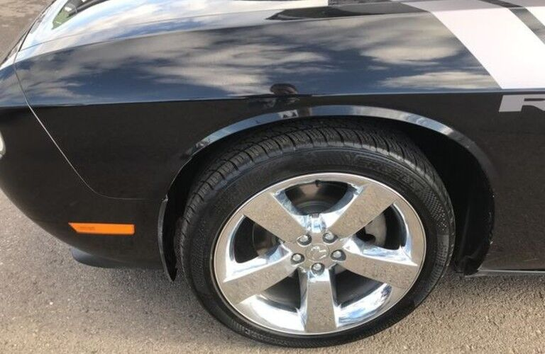 2009 Dodge Challenger tire