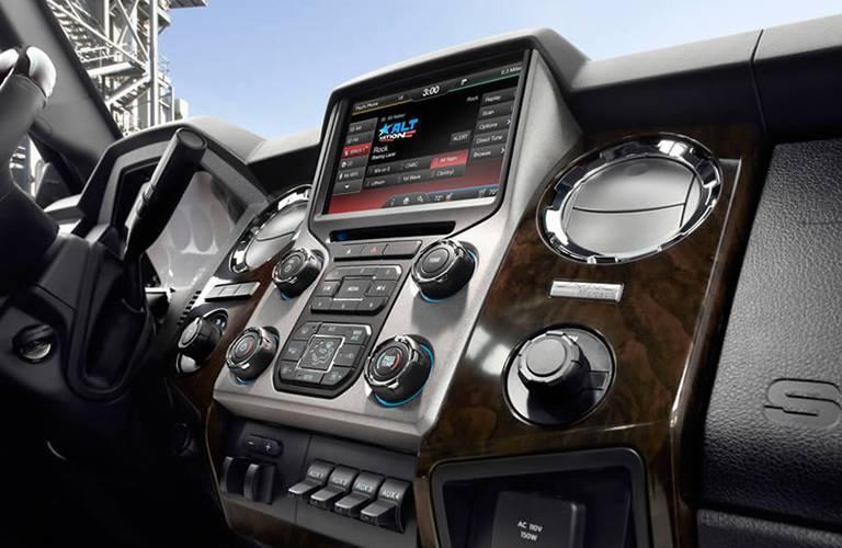2016 Ford F-350 dashboard display