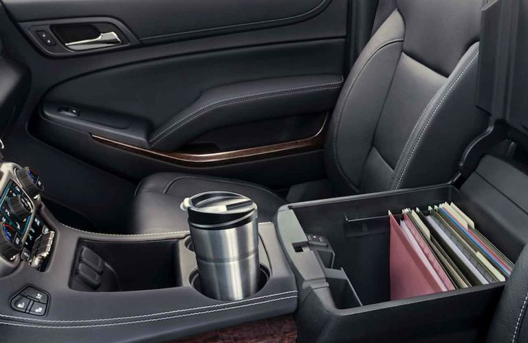 File box and cupholders of GMC Yukon