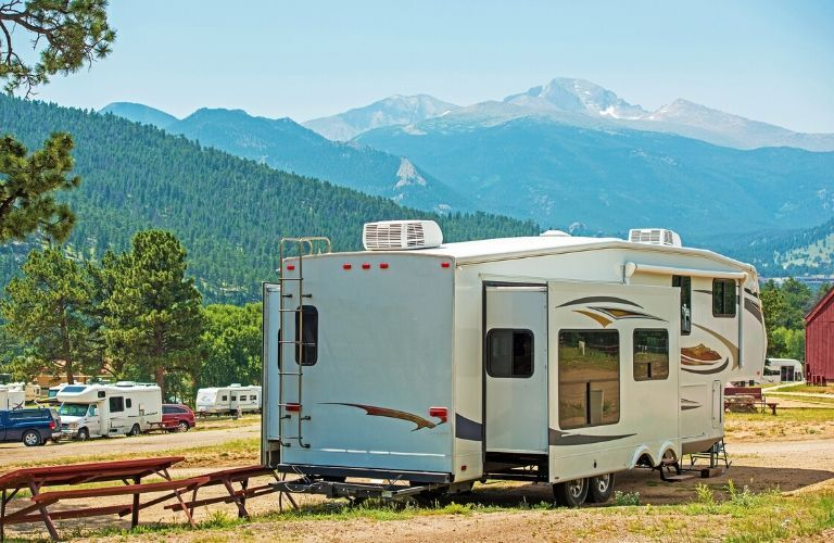 Fifth wheel camper in campground