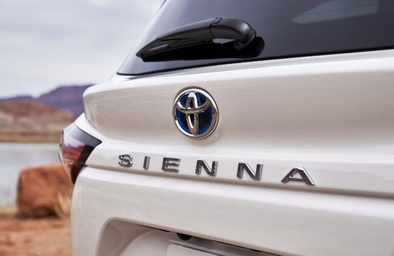 Hybrid logo on rear of the 2021 Toyota Sienna