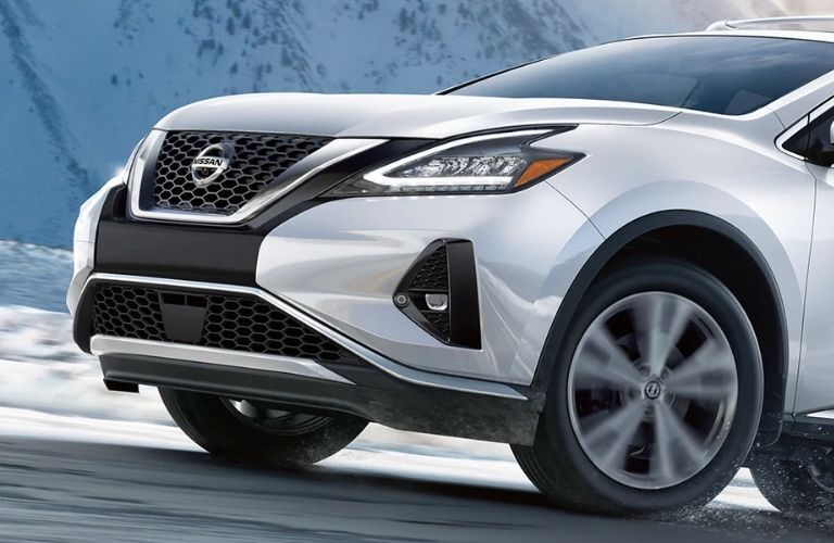 Nissan Murano front end view