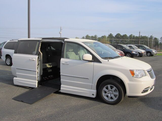 2011 Chrysler Town and Country Handicap Accessible Van R & R Mobility Vans & Lifts, Inc.