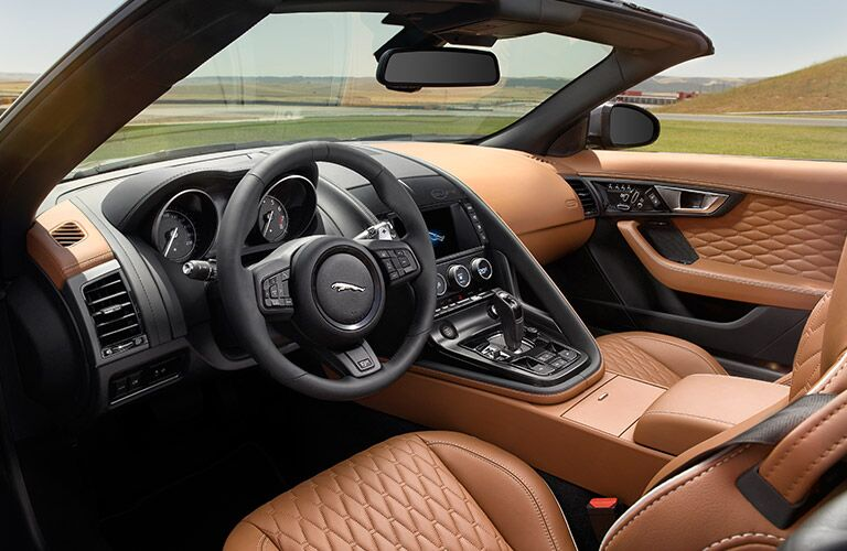 2017 Jaguar F-TYPE SVR vs 2017 Porsche 911 Turbo Interior