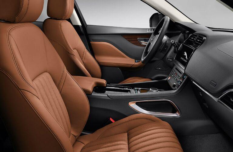 2017 Jaguar F-PACE vs 2016 Porsche Macan Interior
