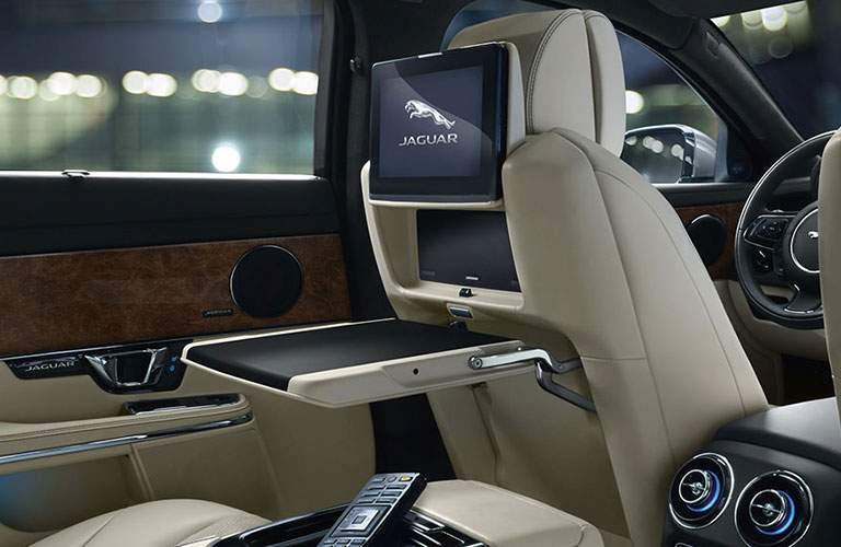 2018 jaguar XJ Rear Entertainment System With Integrated LCD screen and laptop stand