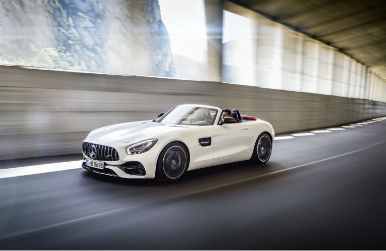 2018 Mercedes-AMG GT Roadster 0 - 60 time