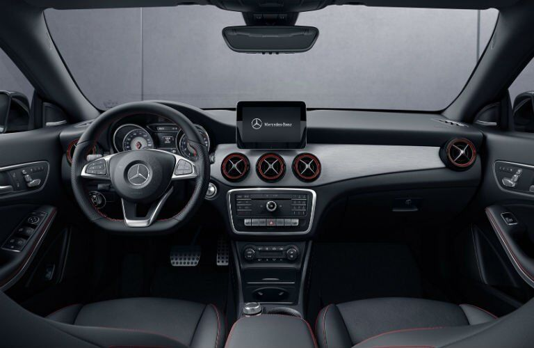 2017 Mercedes-Benz CLA steering wheel design