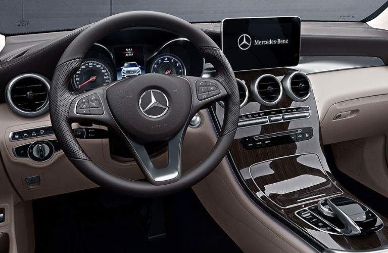 2018 GlC Coupe Command Center
