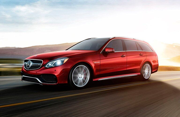 2017 mercedes-Benz E-Wagon in red